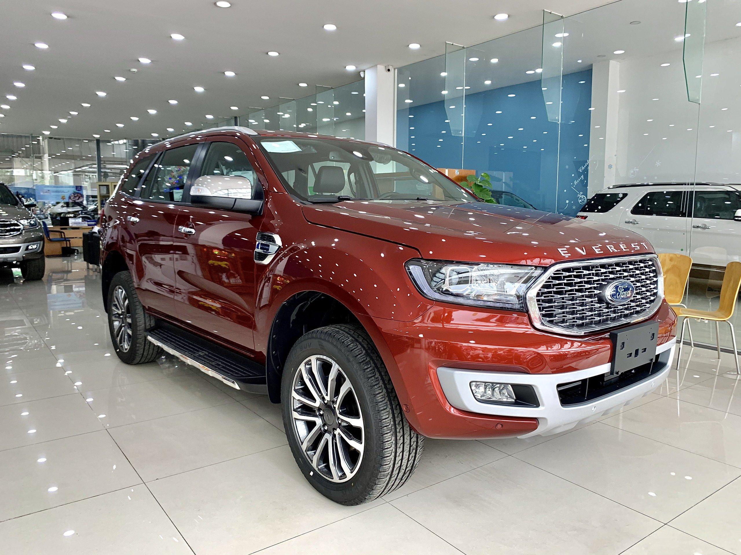 Giá lăn bánh Ford Everest 2021 tháng 6 tại Hòa Bình