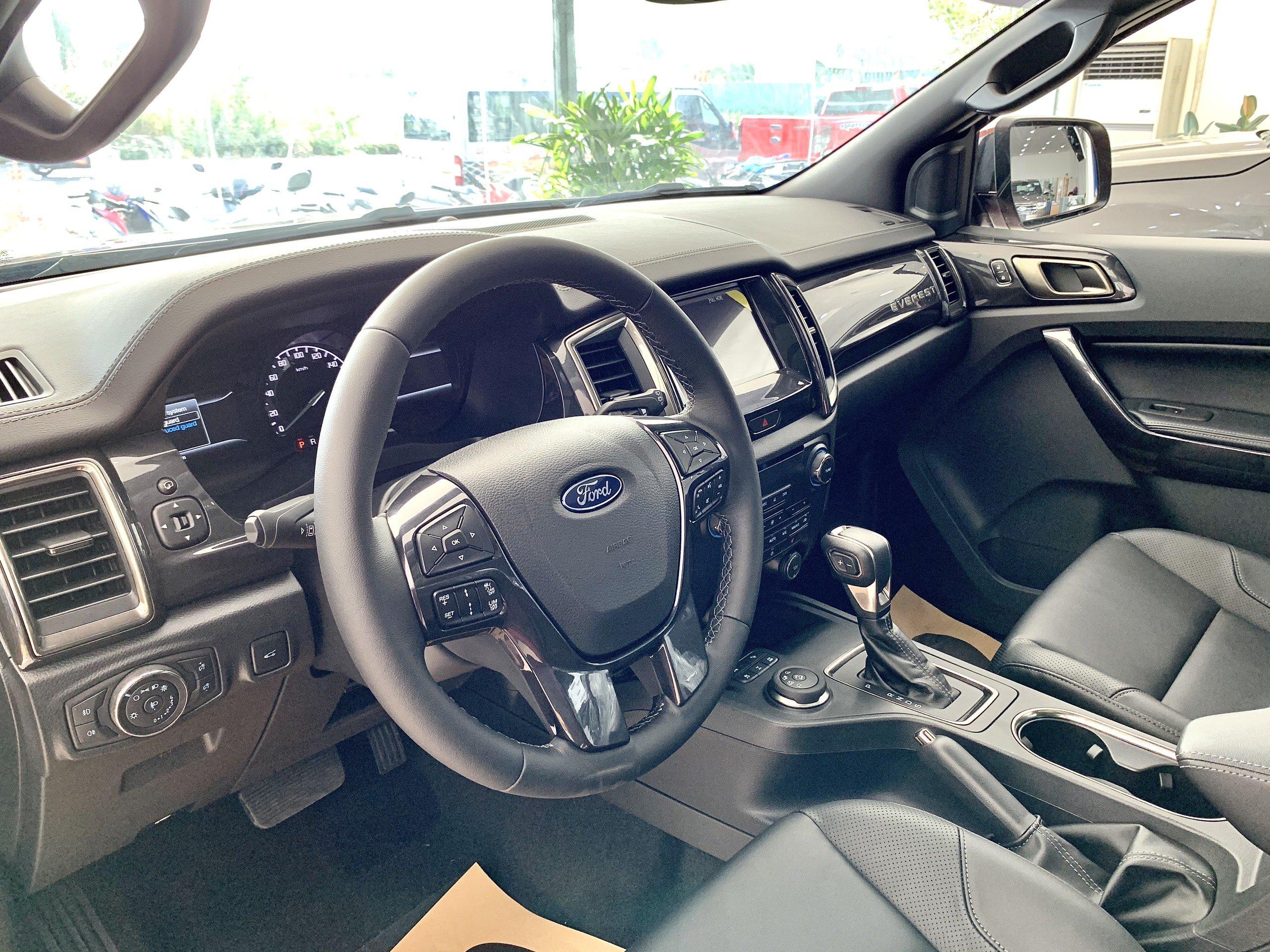 Ford Everest 2021 – chiếc xe 7 chỗ máy dầu đáng mua nhất theo khuyến cáo của Ford Hòa Bình